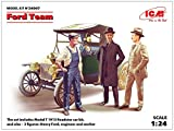 ICM 24007 Model Kit Ford Team Model T 1913 Roadstar Car Kit and 3 Figures